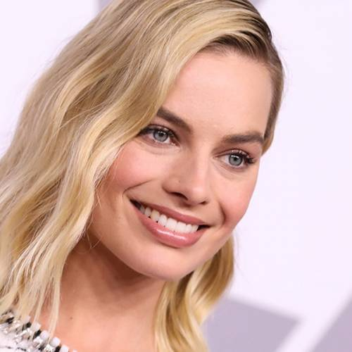 How To Wear A Cardigan As A Shirt The Margot Robbie Way
